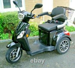 3 Wheeled ZT500 Glossy Black 800W Electric Mobility Scooter LED Display
