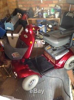 8 MPH MOBILITY SCOOTER SHOPRIDER CADIZ DELUXE Can do deliver locally only