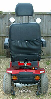 Celebrity XL-8 4/8mph Mobility Scooter. Excellent condition. Regularly serviced
