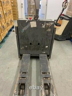 Fully Electric Powered Pallet Lift Truck For Heavy Duty Capacity 2000 KG UK Item