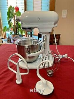 KitchenAid Model K5SS Heavy Duty 325 W 10-Speed 5-Qt Stand Mixer With Accessories