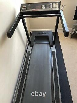 Life Fitness 9100HR Fully Commercial Grade Treadmill Heavy Duty Ex Gym