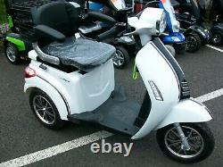 NEW 3 Wheeled 60V100AH 800W Electric Mobility Scooter in White Green Power