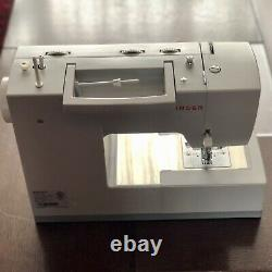 Singer 4423 Heavy Duty Sewing Machine (US/CA) With UK Inverter Included