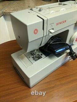 Singer Sewing Machine 4423 Heavy Duty